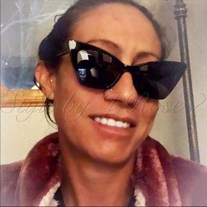 Yves Saint Laurent Accessories - NIB YSL Black Victoire Cat Eye Sunglasses